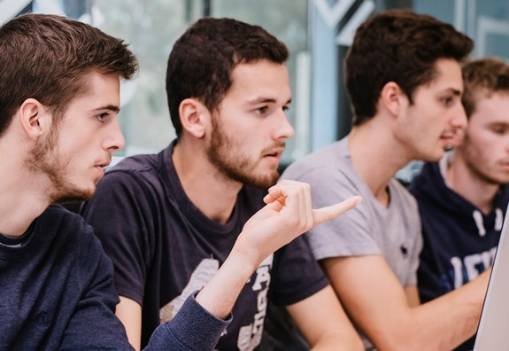 ESSEC ranked 8th among the top European graduate business schools in the Financial Times